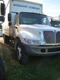 2003 INTERNATIONAL 4300 BOX TRU