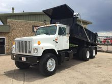 2002 INTERNATIONAL 2574 DUMP TR