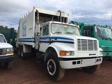 1996 INTERNATIONAL 4900 GARBAGE