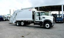 2015 MACK GRANITE GARBAGE TRUCK