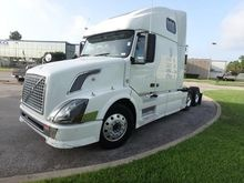 2008 VOLVO VNL CONVENTIONAL - S