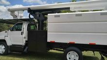 2005 GMC C7500 Bucket truck - b