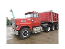 1994 FORD LTL9000 CONVENTIONAL
