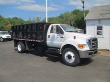 2011 FORD F750 CHIPPER TRUCK