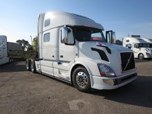 New 2016 VOLVO VNL C