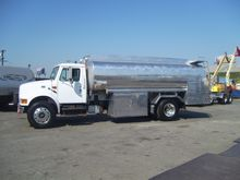 2001 INTERNATIONAL 4900 FUEL TR