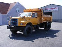 1997 Ford F800 Dump Truck