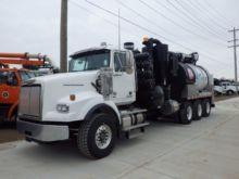 2014 VACTOR Vacuum truck
