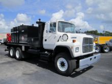 1996 FORD LNT8000 FUEL TRUCK -