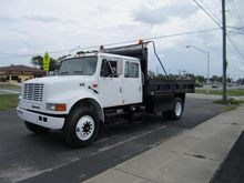 2001 INTERNATIONAL 4700 DUMP TR