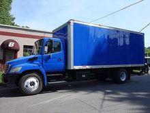 2008 HINO 338 BOX TRUCK - STRAI