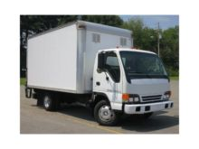 2005 ISUZU NPR Box truck - stra