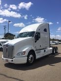 2011 KENWORTH T700 CONVENTIONAL