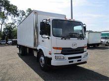 2012 UD TRUCKS 3300 BOX TRUCK -