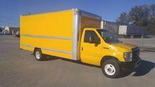 2012 FORD E350 BOX TRUCK - STRA