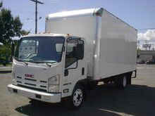 2009 GMC W5500 BOX TRUCK - STRA