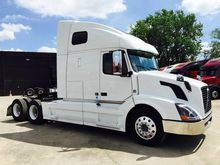 2011 VOLVO 670 CONVENTIONAL - S