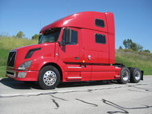 2011 VOLVO 780 CONVENTIONAL - D