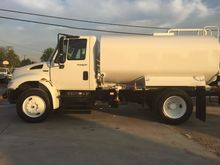 2012 INTERNATIONAL 4300 WATER T