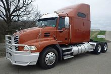 2009 MACK PINNACLE CONVENTIONAL