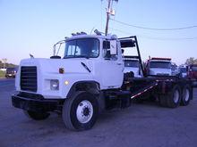Used 2003 MACK DM690
