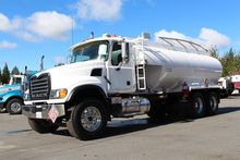 2007 MACK GRANITE GU713 FUEL TR