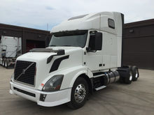 2012 VOLVO 670 CONVENTIONAL - S