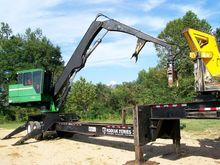 2011 JOHN DEERE 437D Log loader