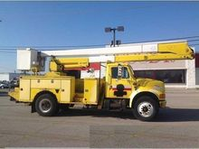 1995 INTERNATIONAL 4700 BUCKET