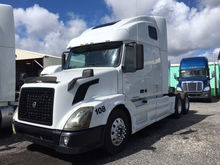 2006 VOLVO 670 CONVENTIONAL - S
