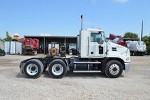 2005 MACK CX613 CONVENTIONAL -