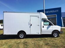 2016 CHEVROLET EXPRESS BOX TRUC