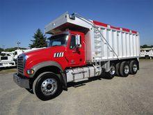 2012 MACK GRANITE Dump truck