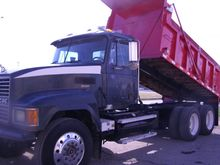 2001 MACK CH613 CAB CHASSIS