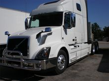 2015 VOLVO VNL64T670 CONVENTION