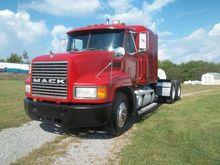 1996 MACK CH 613 BOX TRUCK - ST