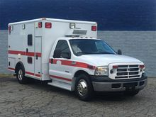 2006 FORD F350 XLT AMBULANCE