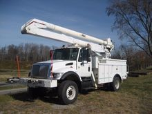 2003 INTERNATIONAL 7400 BUCKET