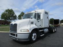 2011 MACK PINNACLE CONVENTIONAL