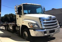 2014 HINO 258LP Rollback tow tr