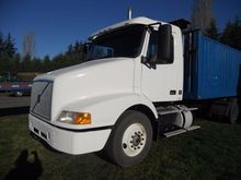 1999 VOLVO VNL64T CONVENTIONAL