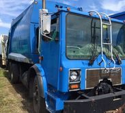 1995 MACK MR Garbage truck