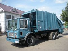 1986 Mack MR Garbage truck