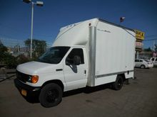 2006 FORD E-350 BOX TRUCK - STR