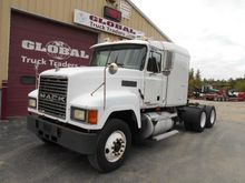 2001 MACK CH613 CONVENTIONAL -