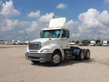 2006 FREIGHTLINER CL12064ST TRA