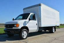 2005 FORD E-350 BOX TRUCK - STR