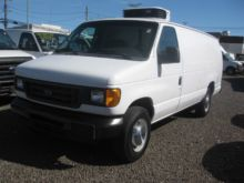 2005 FORD ECONOLINE CATERING TR