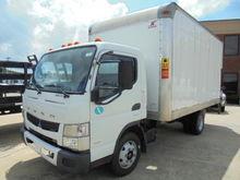 2013 MITSUBISHI BOX TRUCK - STR