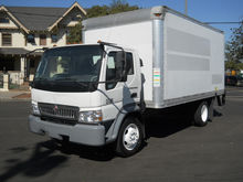 2008 INTERNATIONAL CF600 Box tr